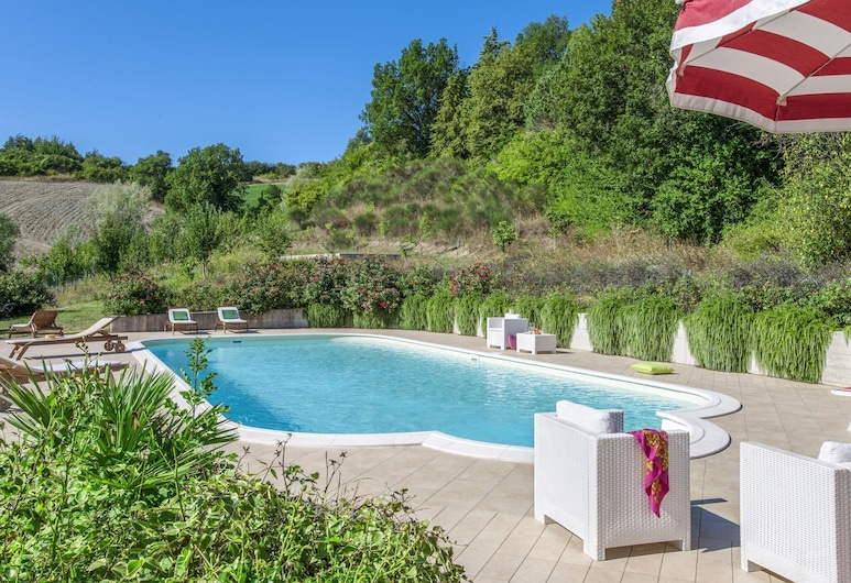 Beautiful Villa in Belforte All'isauro With Swimming Pool, Belforte all'Isauro, Pool