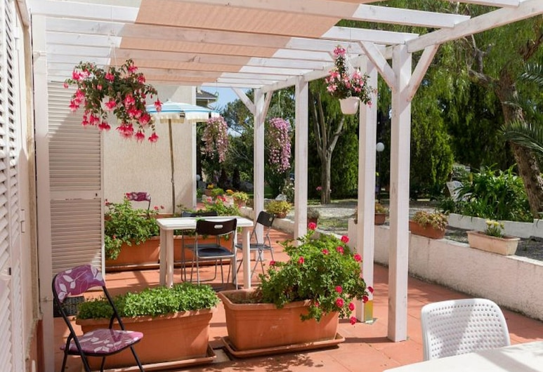 Appealing Apartment in Loano With Swimming Pool, Loano