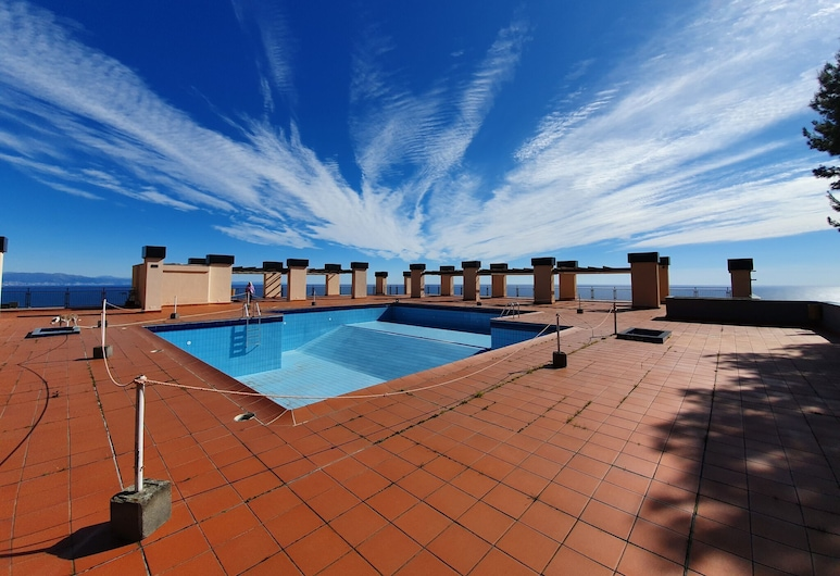 Attractive Apartment in Varazze With Swimming Pool, Varazze, Pool