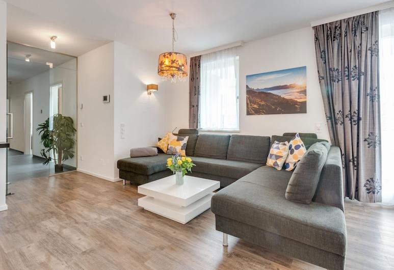 Elegant Apartment in Leogang With Ski Storage, Leogang, Phòng khách