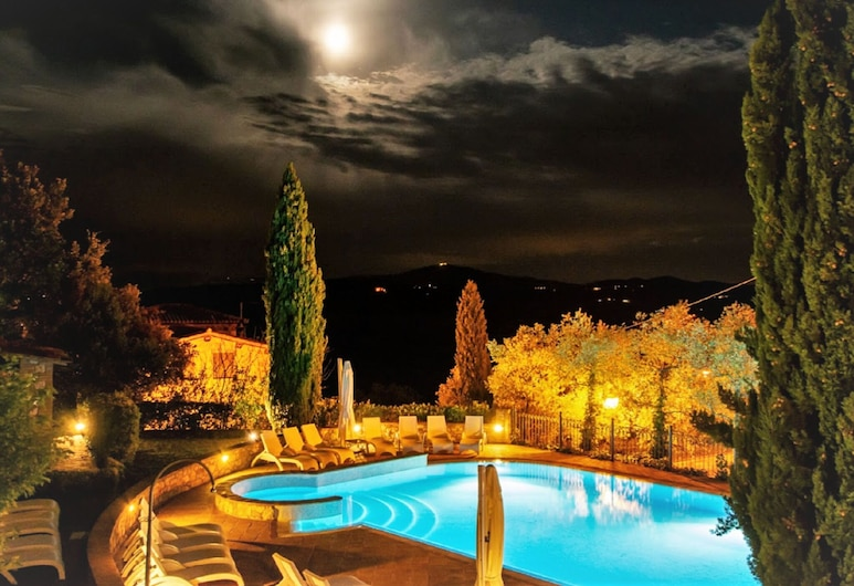 Luxurious Holiday Home in Collazzone With Swimming Pool, Collazzone, Bassein
