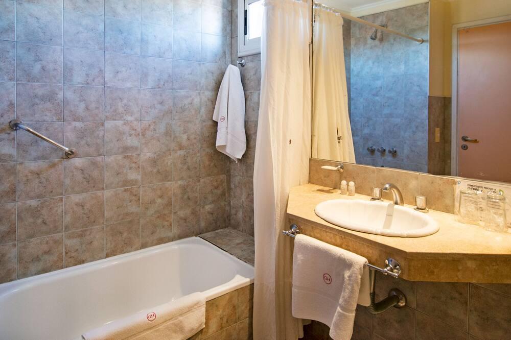 Camera tripla, 1 camera da letto, bagno privato - Bagno