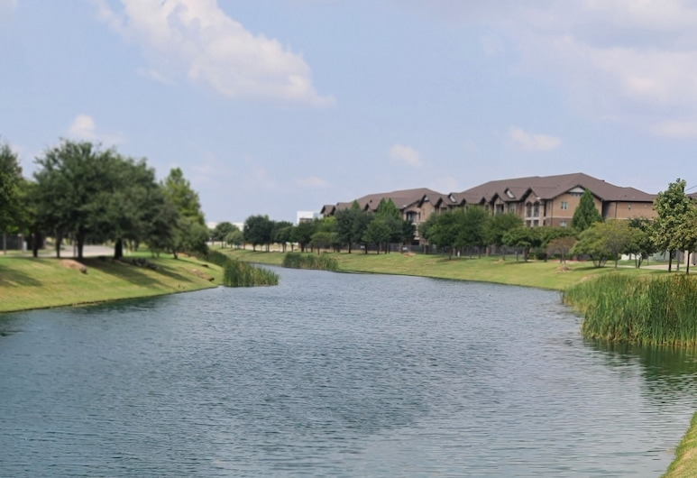 New Age Apartment Condo Home! This Listing Comes With 2018 Chevy Corvette Asks, Fort Worth, Strand