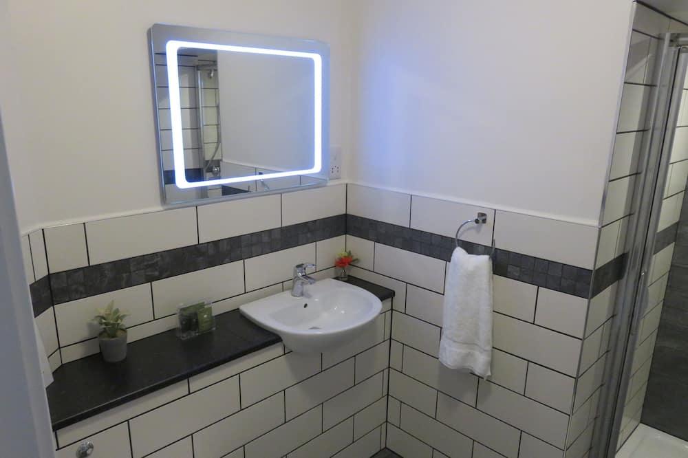 Dvojlôžková izba typu Deluxe, vlastná kúpeľňa, výhľad do dvora - Kúpeľňa