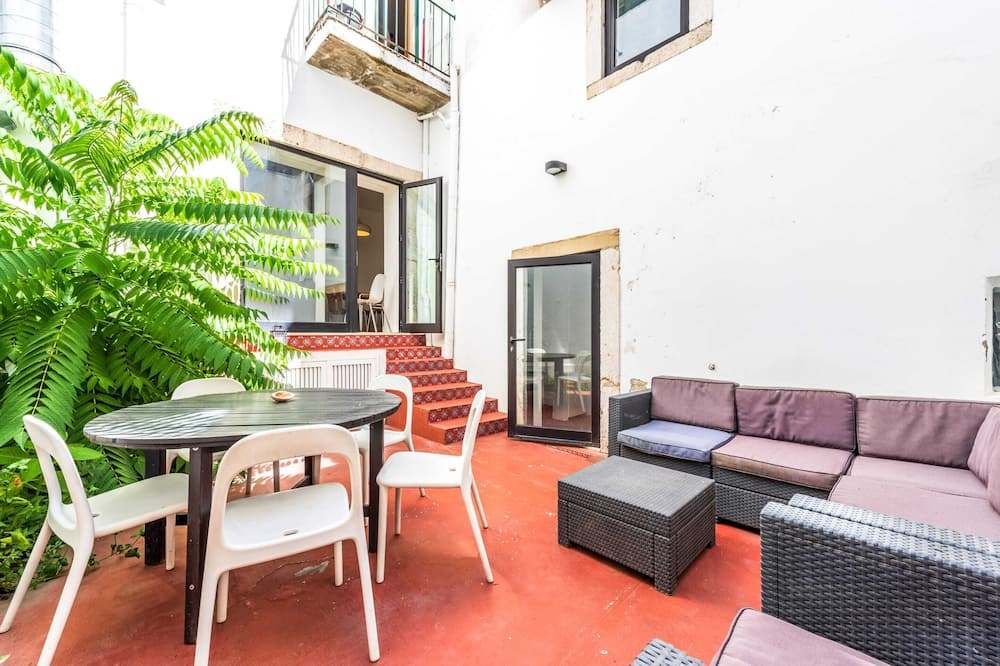 Basic-Apartment, Mehrere Betten - Balkon