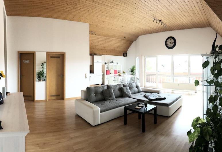 Geräumige 3-zimmer Wohnung in Ruhiger Lage, Neuenburg am Rhein, Гостиная