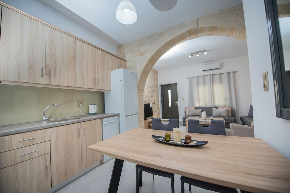Comfort House, 2 Bedrooms, Kitchen - In-Room Dining