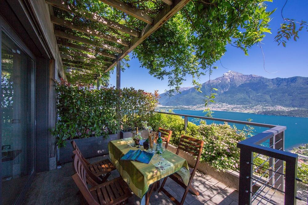 Familielejlighed - flere senge - have-område (Vista Vercana - Fantastico) - Altan