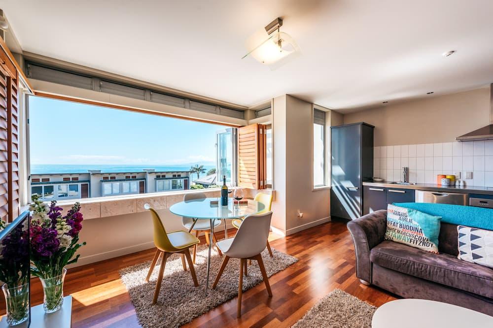 Luxury-Doppel- oder -Zweibettzimmer - Essbereich im Zimmer