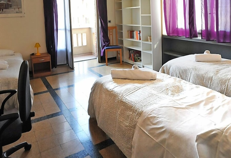Lovely Apartment in Crocetta, Turin, Apartment, 1 Bedroom, Room