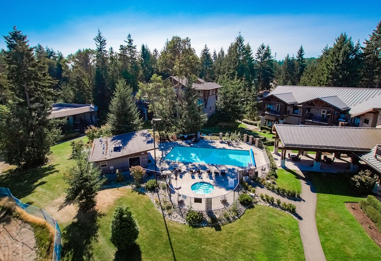 Cozy Ocean View Condo-newly Renovated and Perfect for 2, Parksville, Piscina