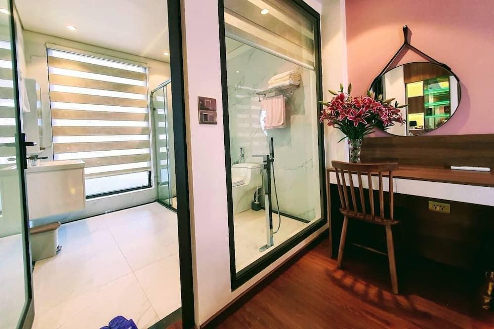 Family Double Room - Bathroom