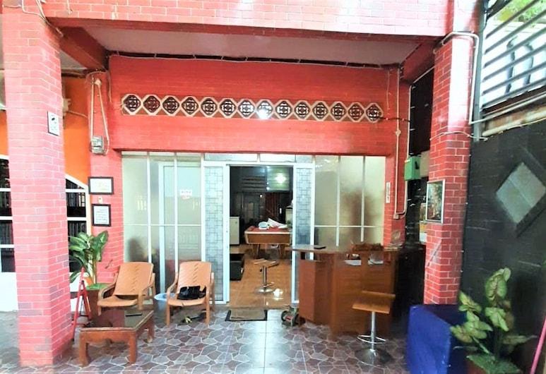 Katawa Guest House Syariah, Palembang, Вход в отель