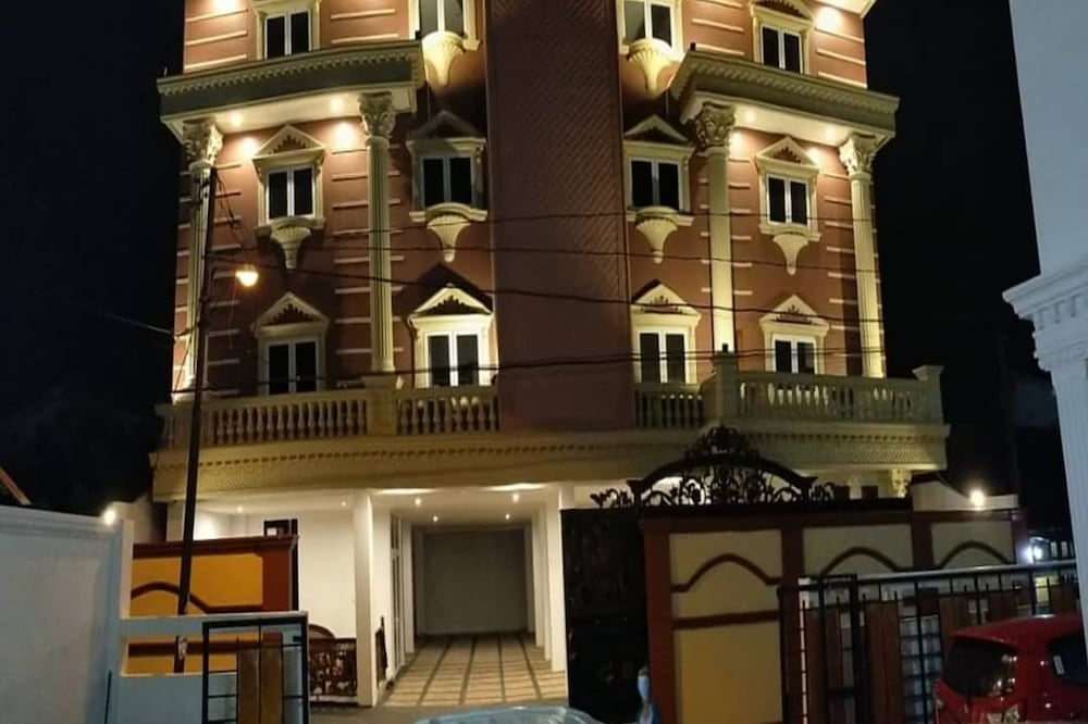Azalia Residence