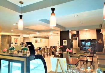 Φωτογραφία του Festive Hotel, Μακάτι
