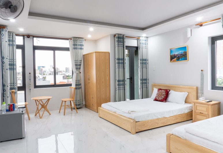 Ninh Giang Hotel, Vung Tau, Camera Deluxe, balcone (Family), Camera
