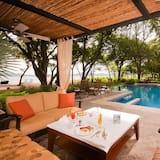 Apartment, 1 Katil Raja (King), Pool View (Apartment with Pool View) - Kolam