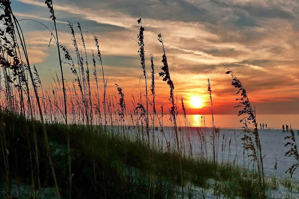 Condo, Multiple Beds (Brightwater Beach - Amazing Updates, ) - Beach