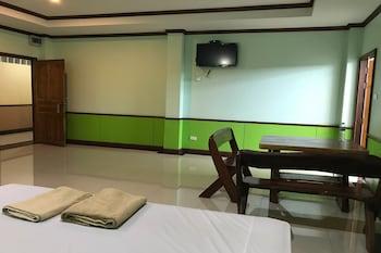 Naktsmītnes OYO 75334 Train Hotel attēls vietā Kanchanaburi