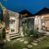 4brm Private Pool Villa ,with Kitchen and Living Room