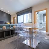 Great 2 Bedroom Apartment With Balcony - 116 D