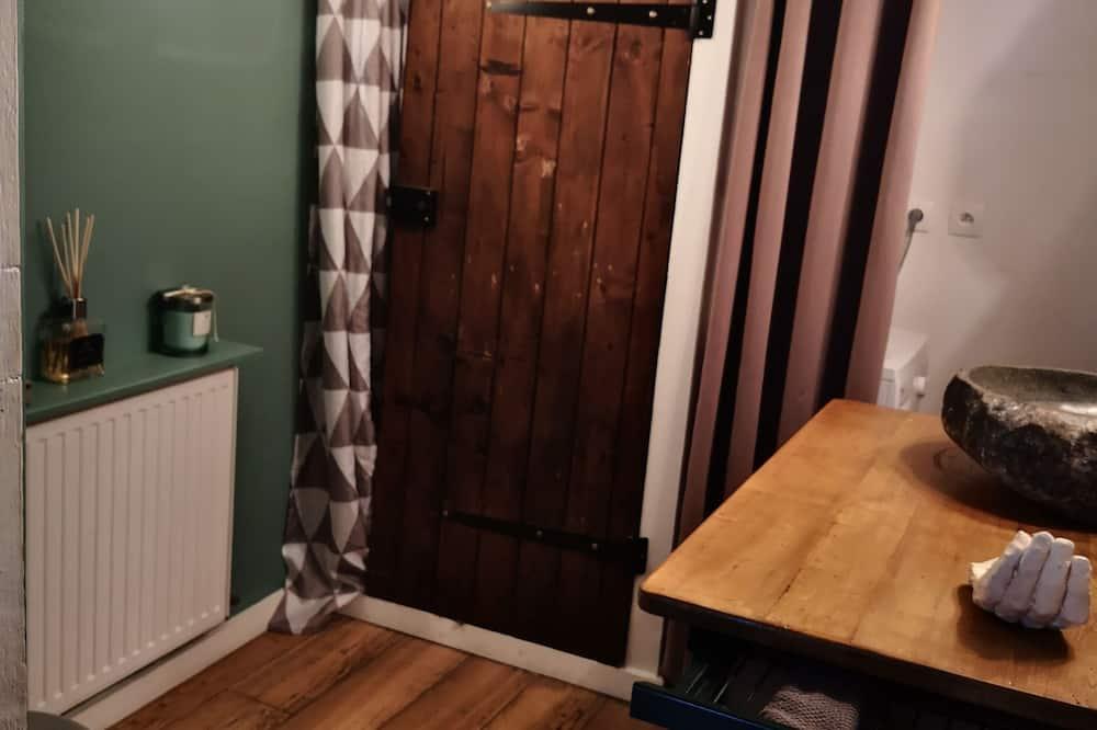 Family House, Ensuite - Bathroom