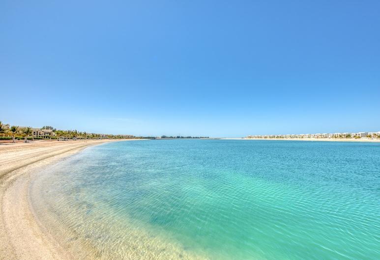 R&H 3BR Villa Living RAK Beach Access 167, Aeropuerto Internacional de Ras al-Jaimah, Playa