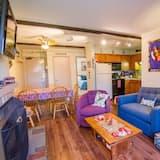 Mieszkanie, Wiele łóżek (Whiffletree D1) - Salon