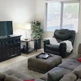 Будинок (Spacious, homey 4-bedroom in Tucson) - Вітальня