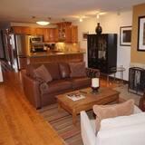 Condominio, Varias camas (100 Dean St E #2B) - Sala de estar