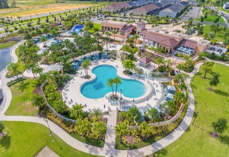 Solaras Finest!! 4 Bed 4 Bath Private Pool 1041 4 Bedroom Townhouse, Kissimmee, Townhome, 5 Bedrooms, Pool