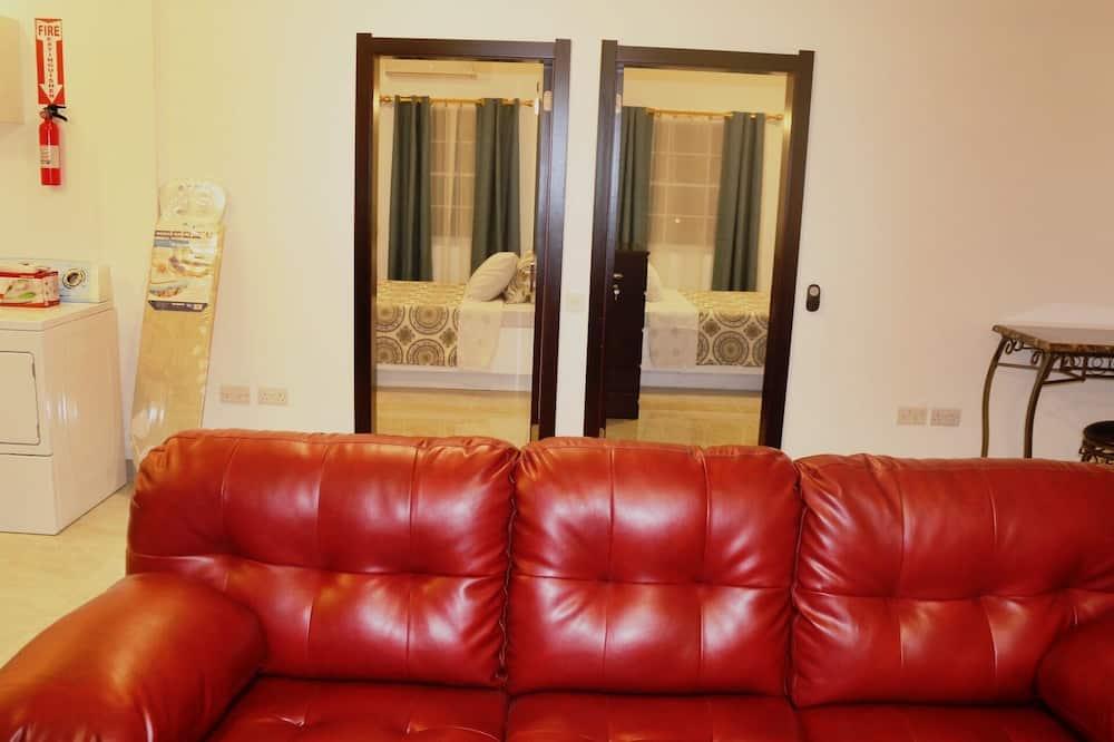 Luxury Apartment, 2 Bedrooms, Kitchen, Marina View - Living Area