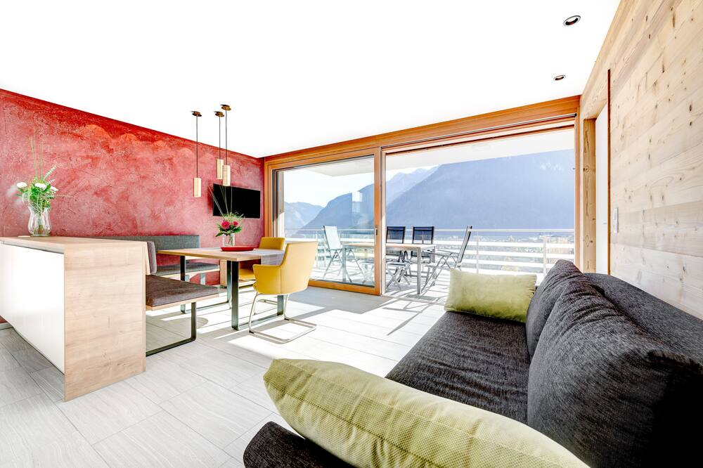 Apartment Panorama Blick (incl. Cleaning Fee, City Tax & Laundry Package) - Dnevni boravak