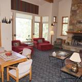Ferienhaus, Mehrere Betten (24 Little Ln) - Wohnzimmer