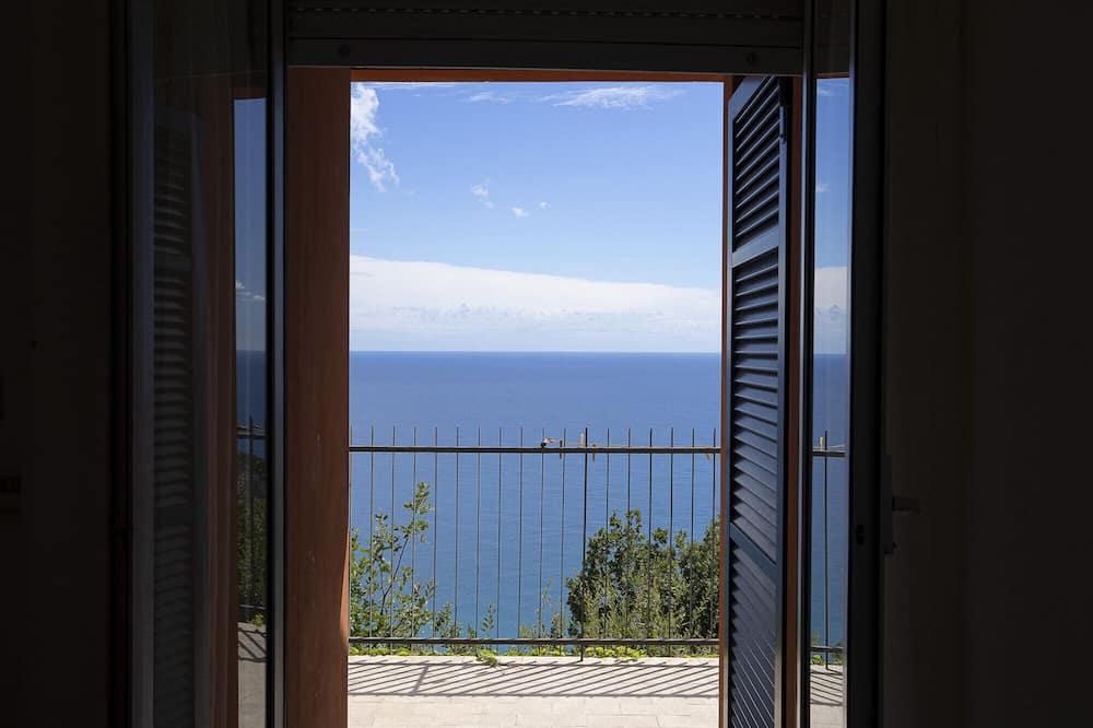 Appartement, accessible aux personnes à mobilité réduite, fumeurs - Vue sur la plage/la mer