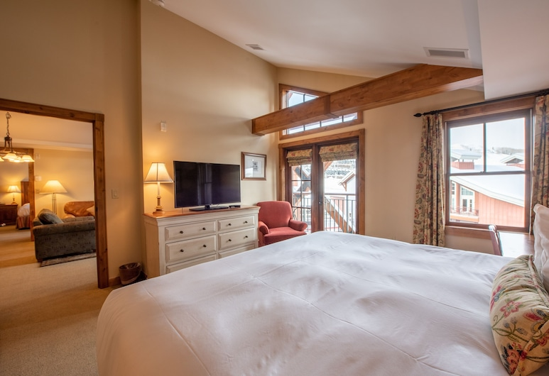 Top Floor 2 Bedroom In Mountaineer Square- Slopeside Condo, Crested Butte, Condo, 3 Bedrooms, Room