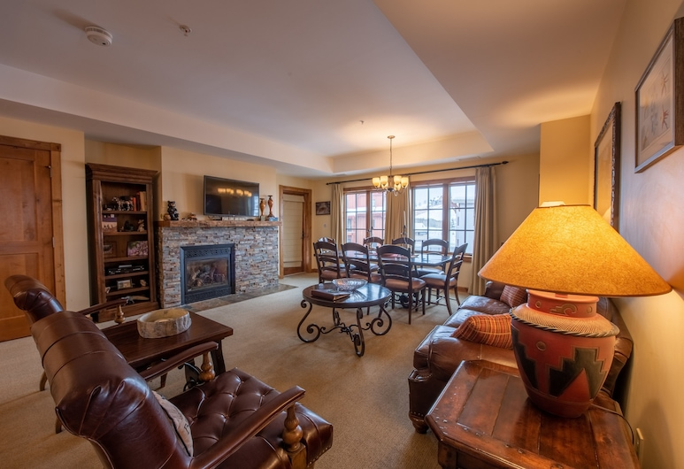 Large 3 Bedroom Bathroom In Mountaineer Square Condo, Crested Butte