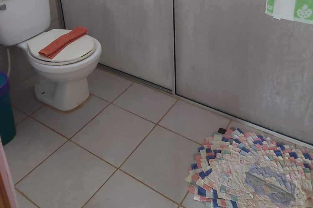Třílůžkový pokoj typu Basic - Koupelna