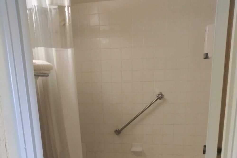 베이직 싱글룸, 킹사이즈침대 1개 - 욕실 샤워