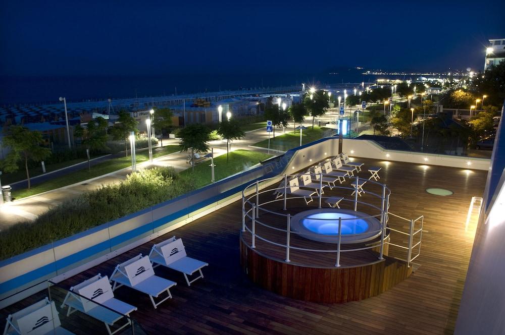 Book Trampolines Suite Hotel in Riccione | Hotels.com