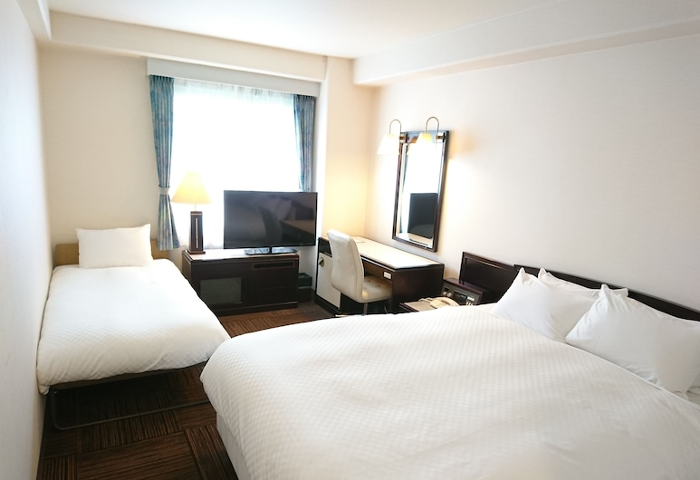 Court Hotel Hiroshima, Hiroshima, Superior Double Room with 1 Extra Bed, Smoking, Guest Room