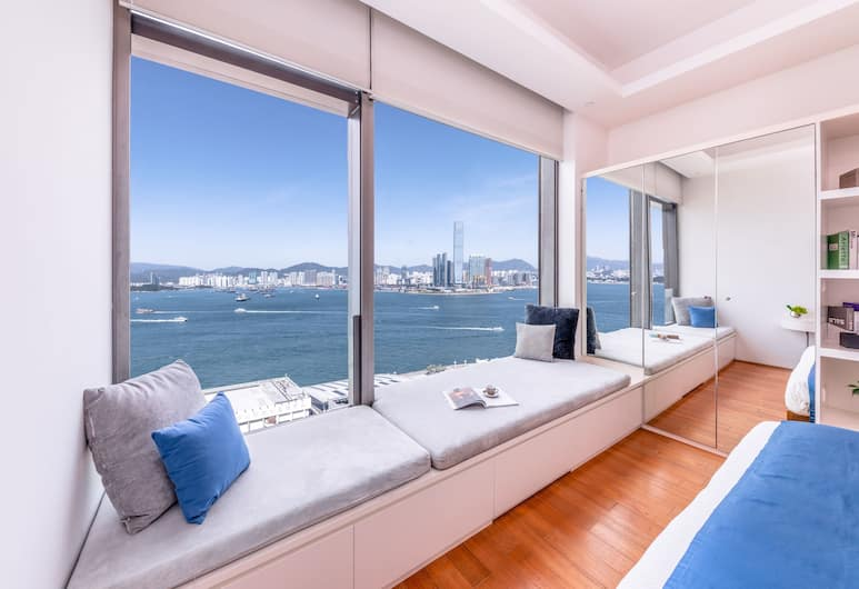 The Connaught, Hong Kong, Signature Suite, 1 Bedroom, Harbour View, Guest Room View