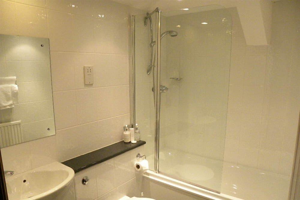 Стандартный двухместный номер с 2 односпальными кроватями, 2 односпальные кровати - Ванная комната