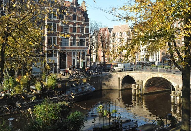 เดอะโพสต์ฮูร์น, อัมสเตอร์ดัม