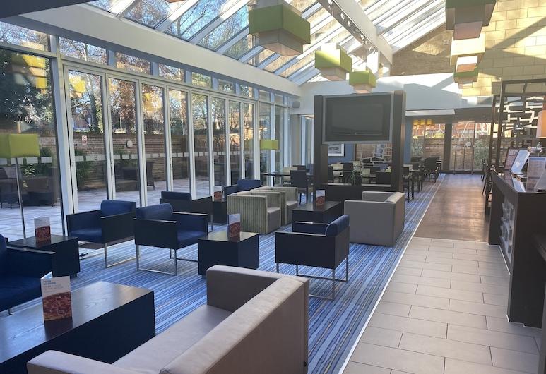 Holiday Inn Express Windsor, Windsor, Lobby