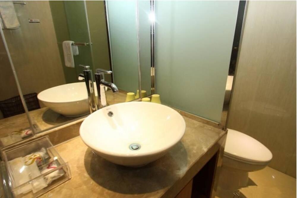 Twin Room (Ultra Sassy) - Bathroom