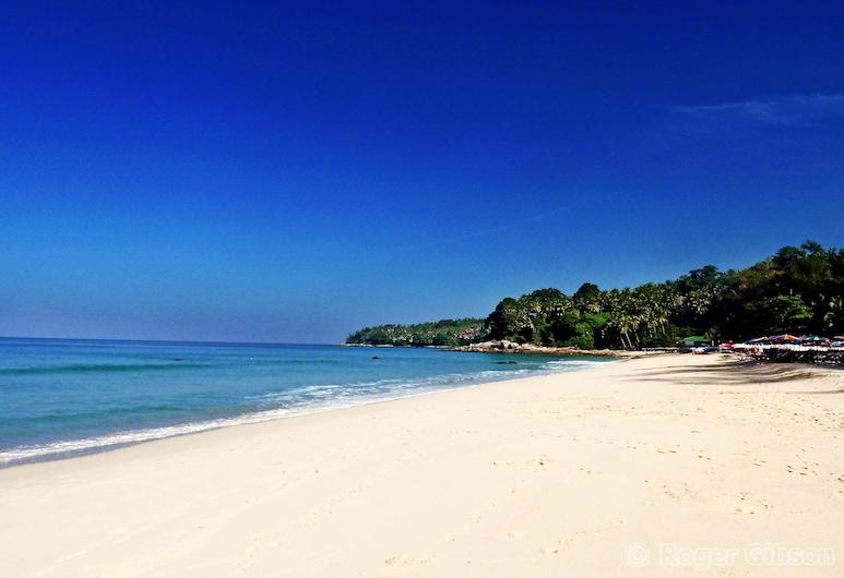 수린트라 부티크 리조트, Choeng Thale, 해변