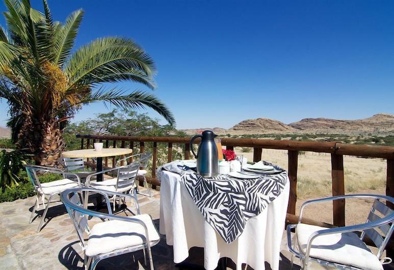 Corona Guest Farm, Windhoek, Stravovanie vonku