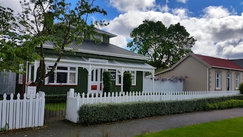 Picture of Designer Cottage B&B in Christchurch