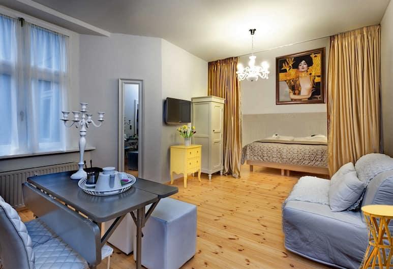 Aris Apartment in Prenzlauer Berg, Berlin, Vardagsrum